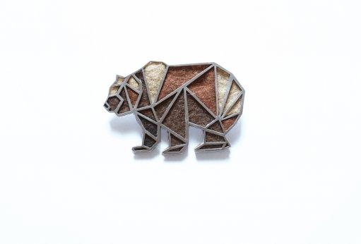 brož geometrický medvěd