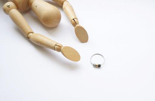 prsten korálky